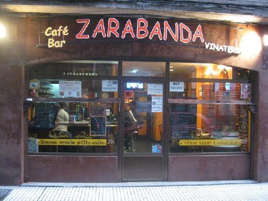 Lodging Don Pelayo : Vinatería Zarabanda
