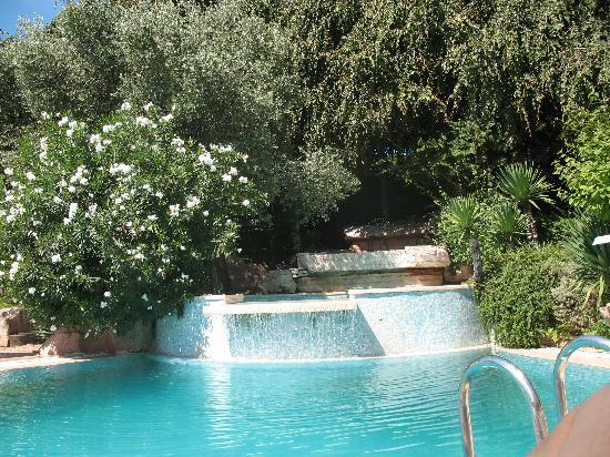 Seconda piscina - Picture of Hotel Villa Pigalle, Tezze sul Brenta ...