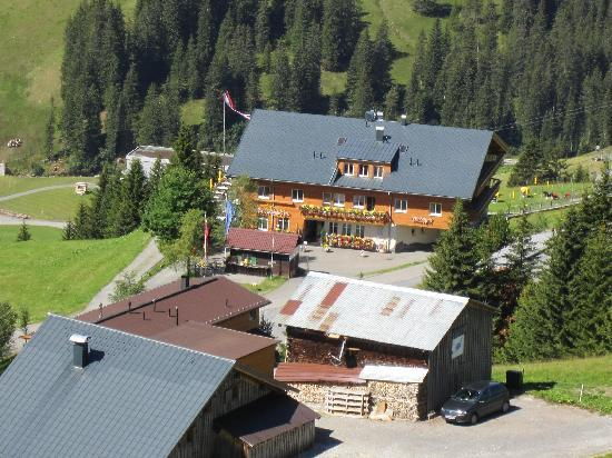Walisgaden : Blick aus der Perspektive Sessellift Alpe Uga