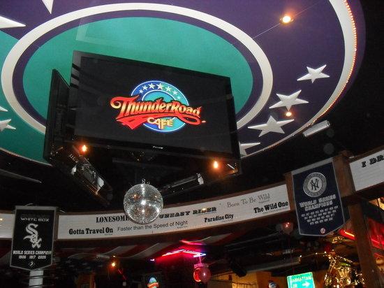 Thunder Road Cafe : thunder road2