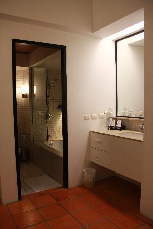 Banthai Beach Resort & Spa: Bathroom