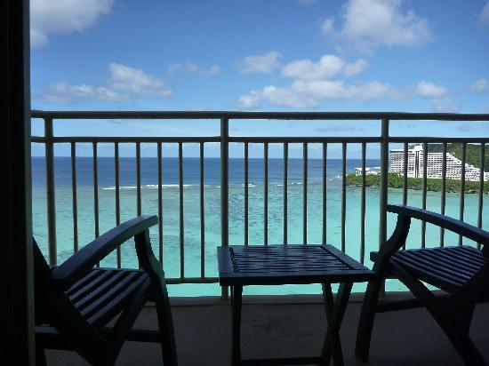 Outrigger Guam Beach Resort: ベランダからの景色