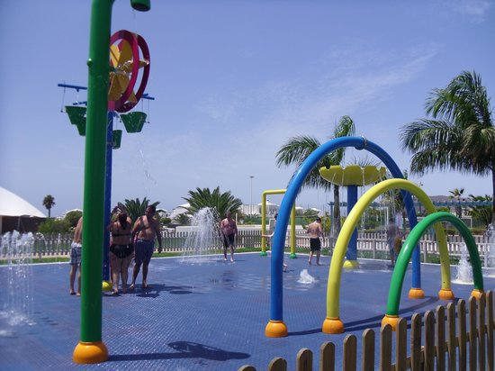 THB Tropical Island: water park area