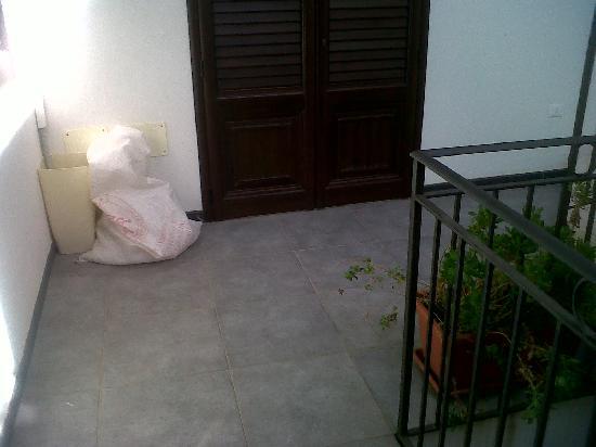 B&B Palazzo Diaz : Fuori dalla porta...