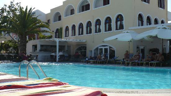 Hotel Makarios: swimming pool
