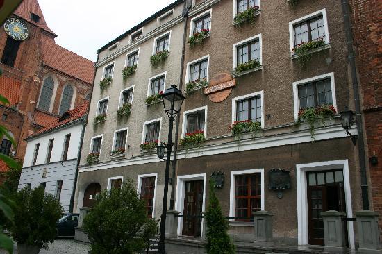 Hotel Gromada Torun: hotel's facade