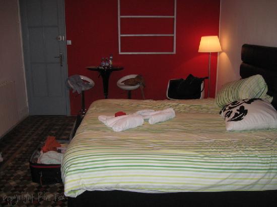 Tripledos: Nice size room.