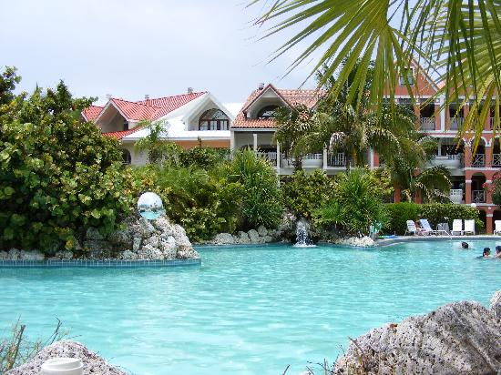 Taino Beach Resort & Clubs: Another Pool View