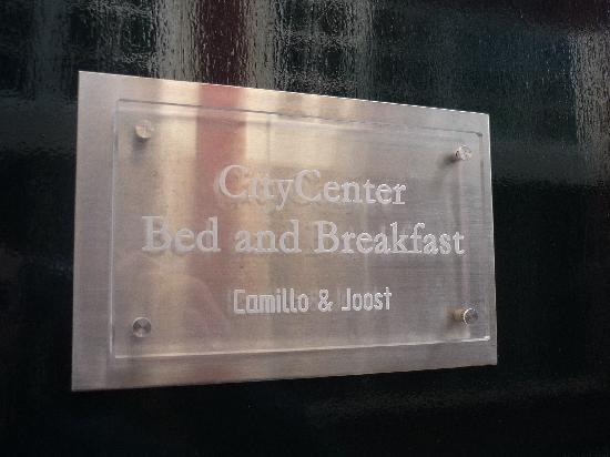 CityCenter Bed and Breakfast Amsterdam: Insegna