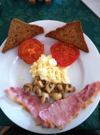 Berwick House: Smiley breakfast (with gluten free fried bread!!)