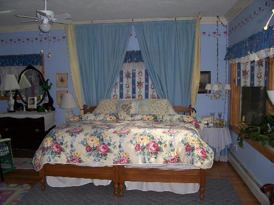 Gorton House Bed and Breakfast: The LakeShore