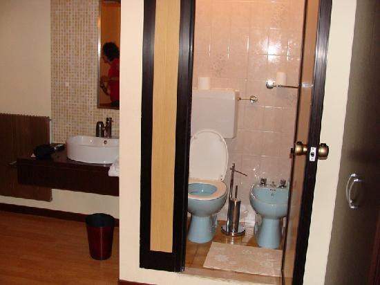 Ba O Antiguo Y Muy Peque O Fotograf A De Hotel Guidi