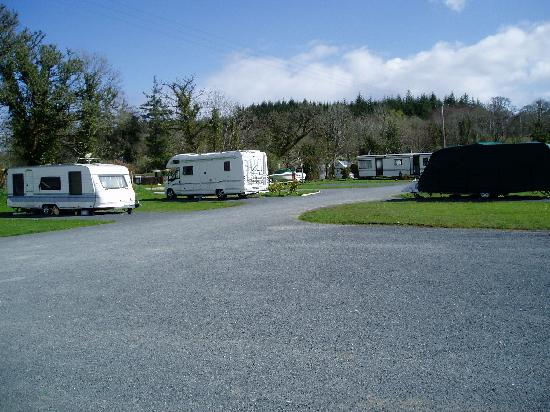 Battlebridge Caravan & Camping Park: The pitches