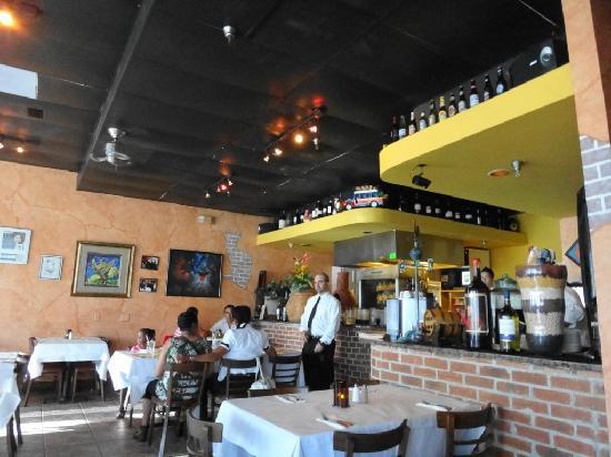 The Restaurant Is Located In Orlando Fl In Spanish