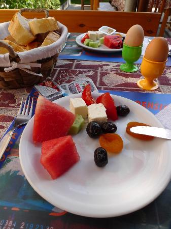 Anatolia Pension: The breakfast
