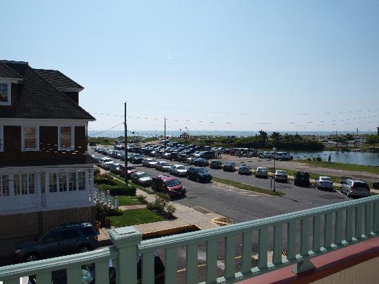 The Sea Spray Inn: Ocean view from upstairs deck