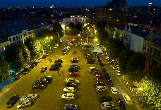 Sofitel Brussels Europe: Place Jourdan (de nuit)