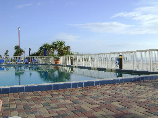 Mayan Inn : Saltwater Pool