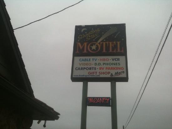 ‪‪Shooting Star Motel‬: Shooting Star Motel sign‬