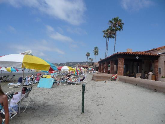 "La Jolla Beach & Tennis Club: Green ""reserved"" sign"