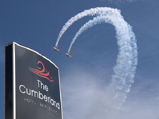 The Cumberland Hotel: air show