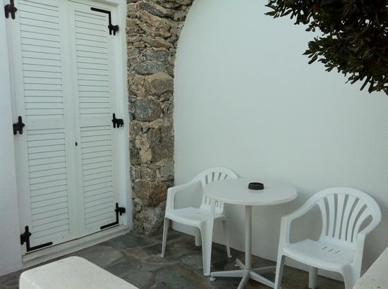 Ornos, Greece: balcón del cuarto para 2 personas