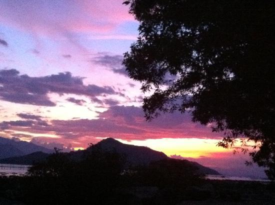 L'Alyana Ninh Van Bay: Sunset View