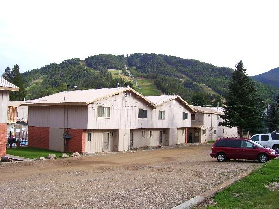 Edelweiss Condominiums: View from the back of the complex showing the ski mountain.