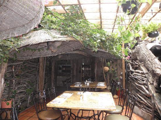 Tapanco: entry to the garden