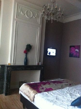 Hotel Onderbergen: room 7....LOVELY!!!