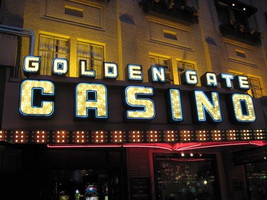 ‪Casino at the Golden Gate Hotel‬