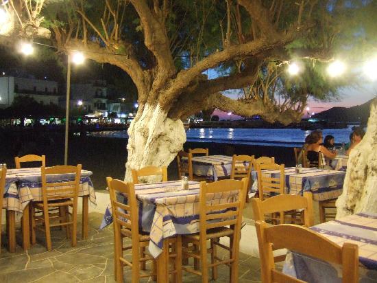 Hotel Boulis : vue de plage depuis le restaurant capitaine Andreas