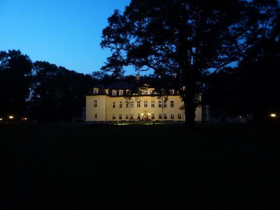 Hotel Palac Izbicko : batiment historique (reception-salles)