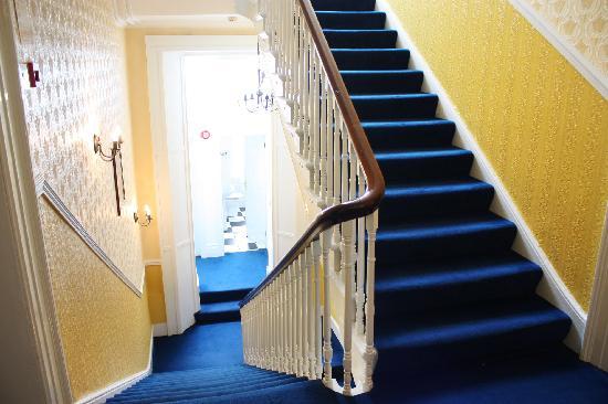 Belmont Hall : Hallway