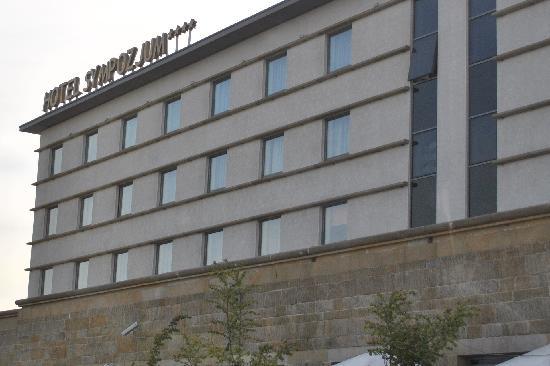 Sympozjum Hotel: hotel facade