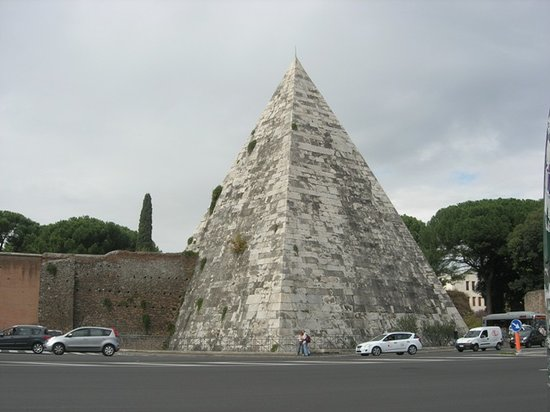 Photo of Monument / Landmark Piramide Cestia at Via Raffaele Persichetti, Rome 00153, Italy