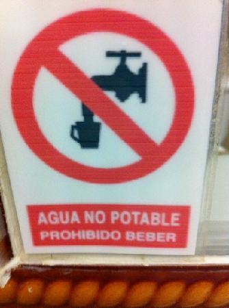 L'Hotelet : el hotel no cuenta con agua potable