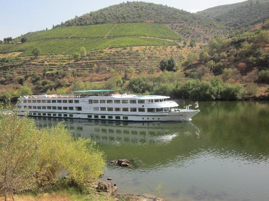 Hotel Casa do Tua: River trip on hotel-boat from Porto