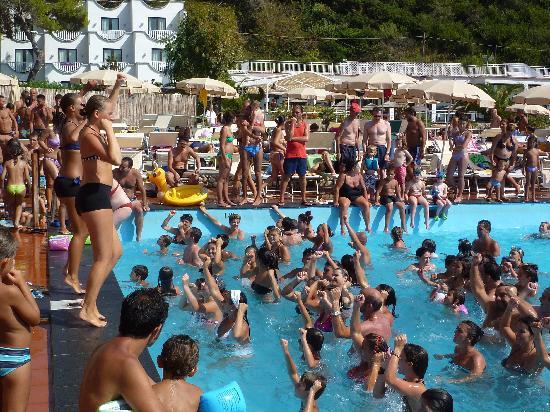 Small beach picture of sea club conca azzurra resort for Conca azzurra massa lubrense piscine