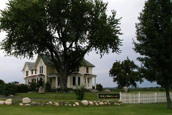 Country Hermitage Bed and Breakfast Traverse City : B&B exterior