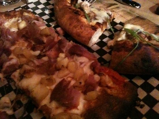 Society Dining Lounge: Hawaiian pizza & BBQ chicken pizza