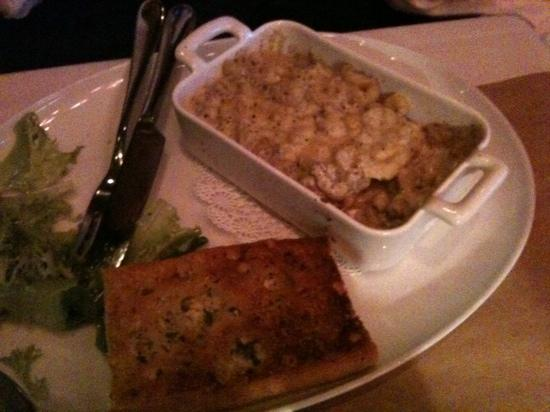 Society Dining Lounge: Truffle Mac & Cheese