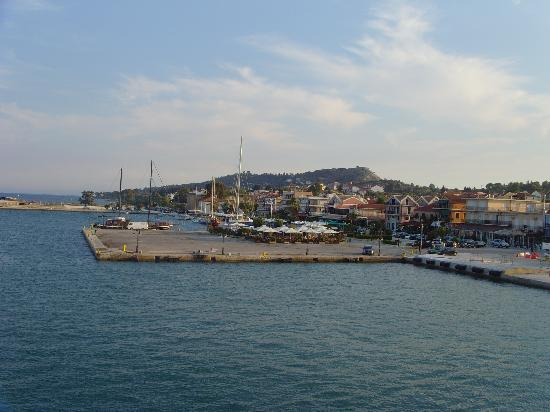 Bella Vista Apartments: Lixouri from the ferry