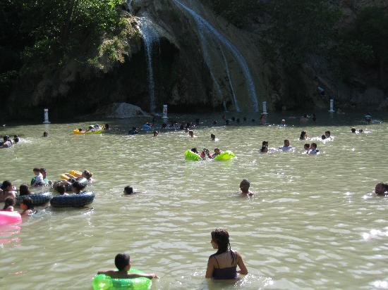 Turner Falls Park: Swimming at the falls