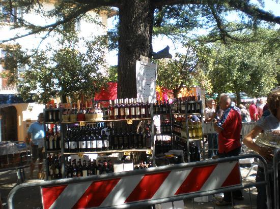 Agriturismo Cecione : Wine lottery in Panzano! We won!