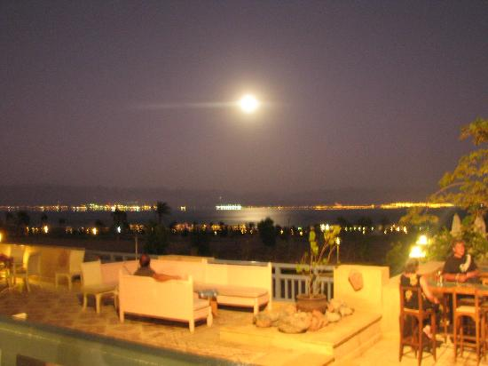 El Wekala Golf Resort: The night view of Saudi from the hotel