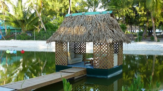 Ambo Village, Kiribati : floating gazebo on the little lake out the back
