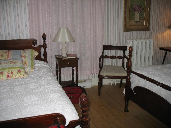 Telegraph House Hotel: Our room had two twin beds.