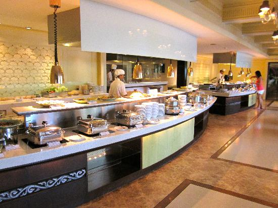 Dusit Thani Hua Hin: The breakfast