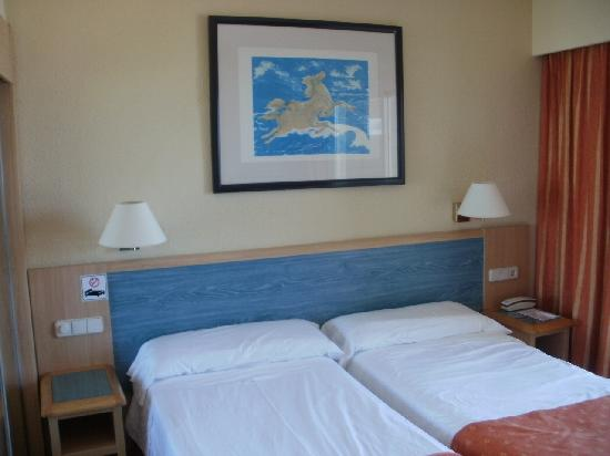 Hotel Sol Principe: Beds
